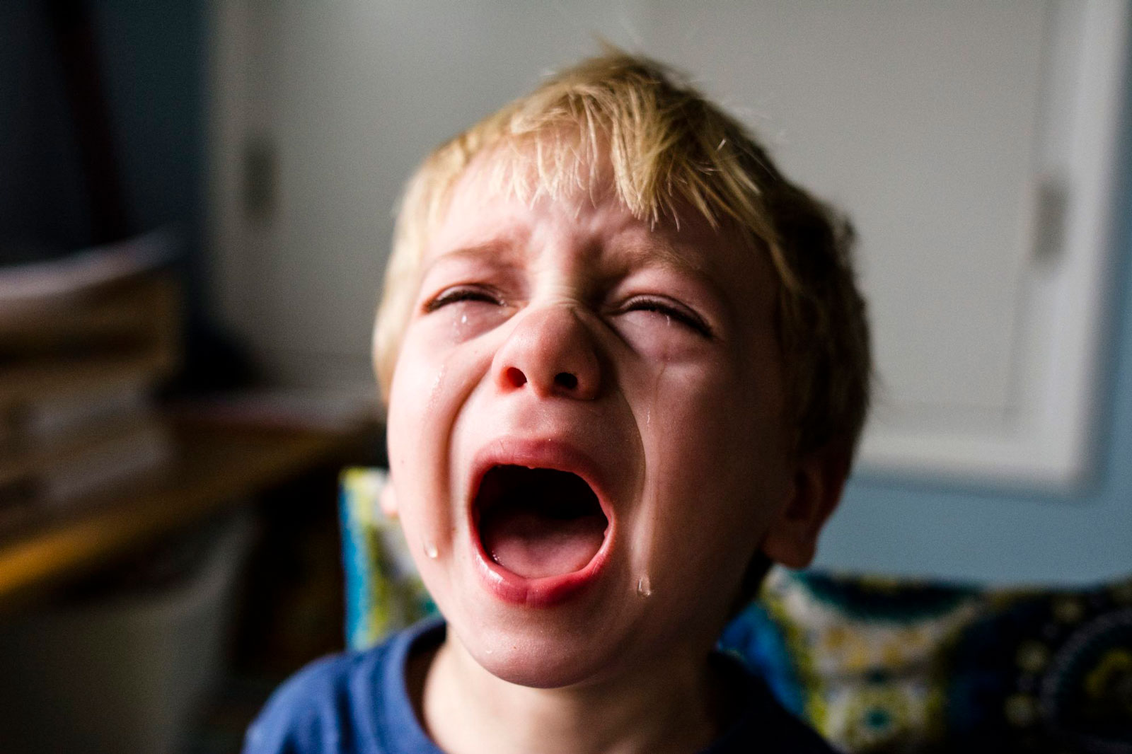 Boy Crying | The 10 Best Books For First Time Parents To Read
